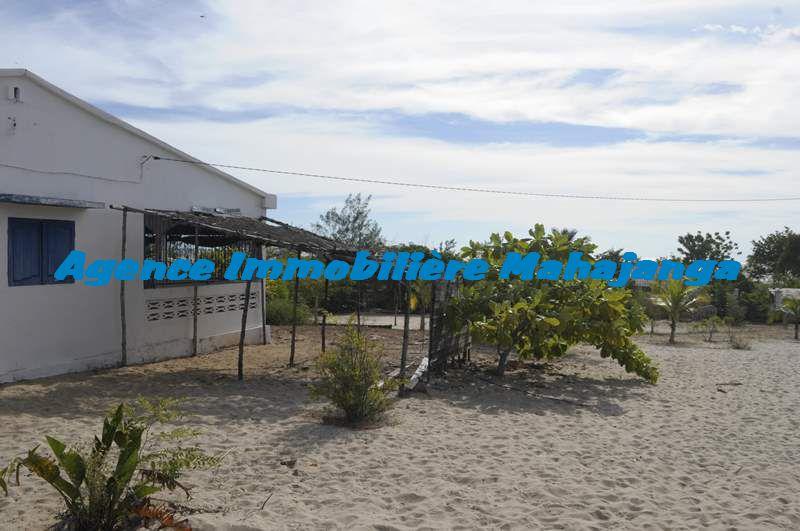 Vente maison seconde ligne plage mahajanga for Hotel pas chere