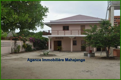 A louer grande villa belentina mahajanga 5 mn des plages for Site immobilier location